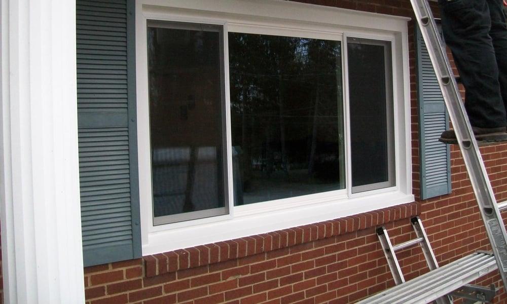 Three-panel slider windows