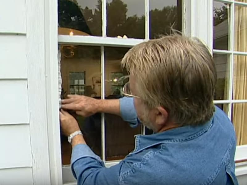 Apply putty around the new window