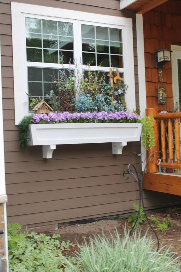 How to Build a Window Box Planter in 5 Steps