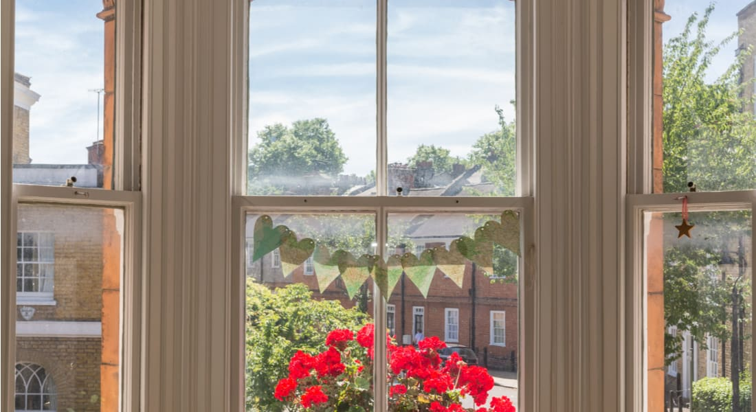 How to Maintain the Window Sash and When to Replace It
