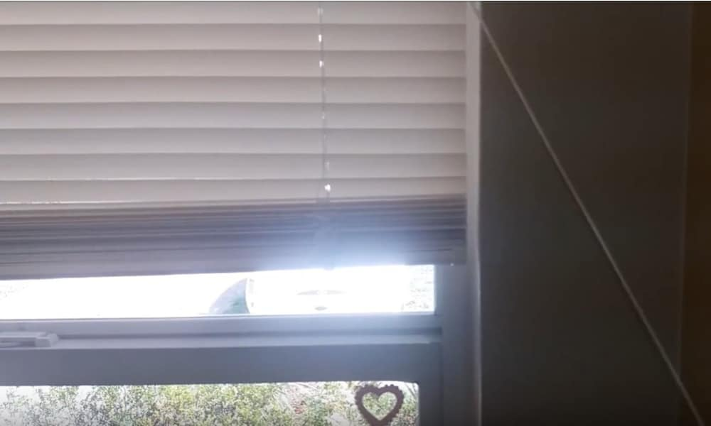 Lock the blinds