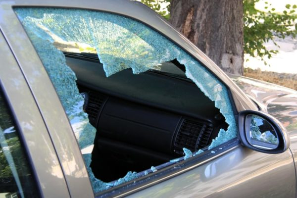 7 Steps to Cover a Broken Car Window