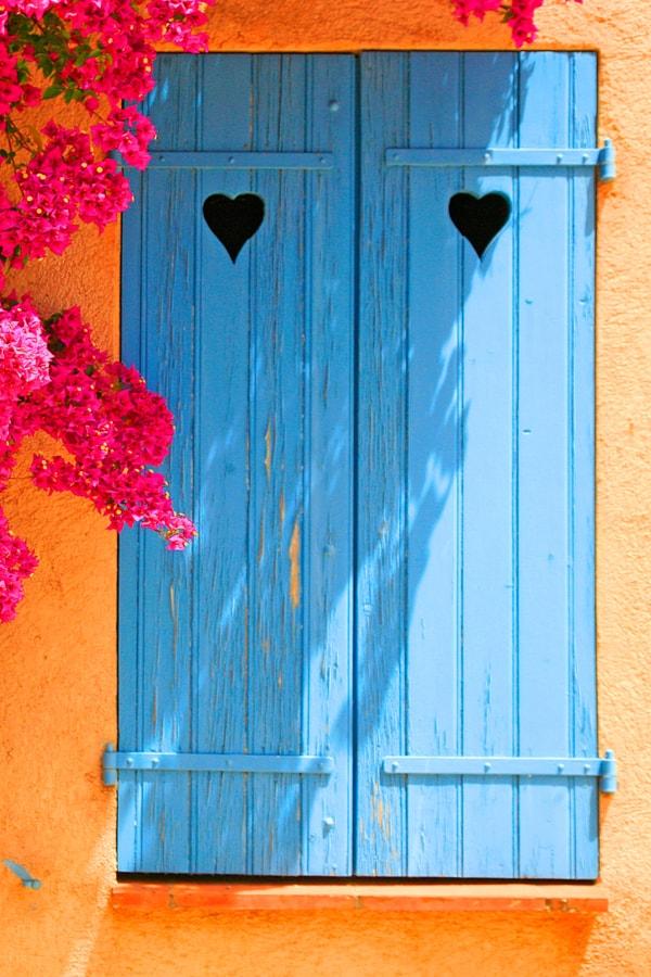 Cut-out shutters