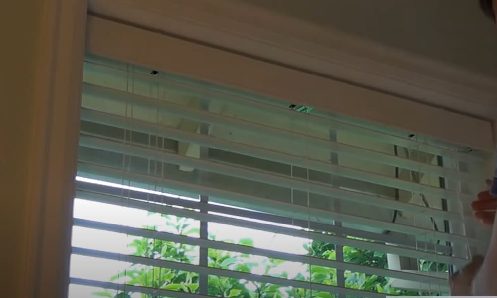 Fasten the Blinds Wand