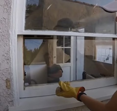 Fix in the New Glass Pane 1