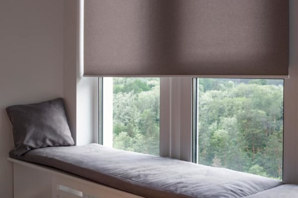 10 Best Motorized Window Shades of 2020 – Smart Blinds Reviews