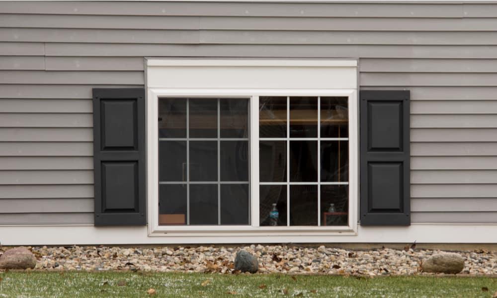 Raised-panel shutters