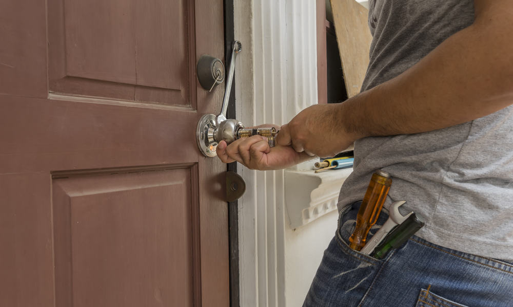 7 Ways To Open A Locked Door