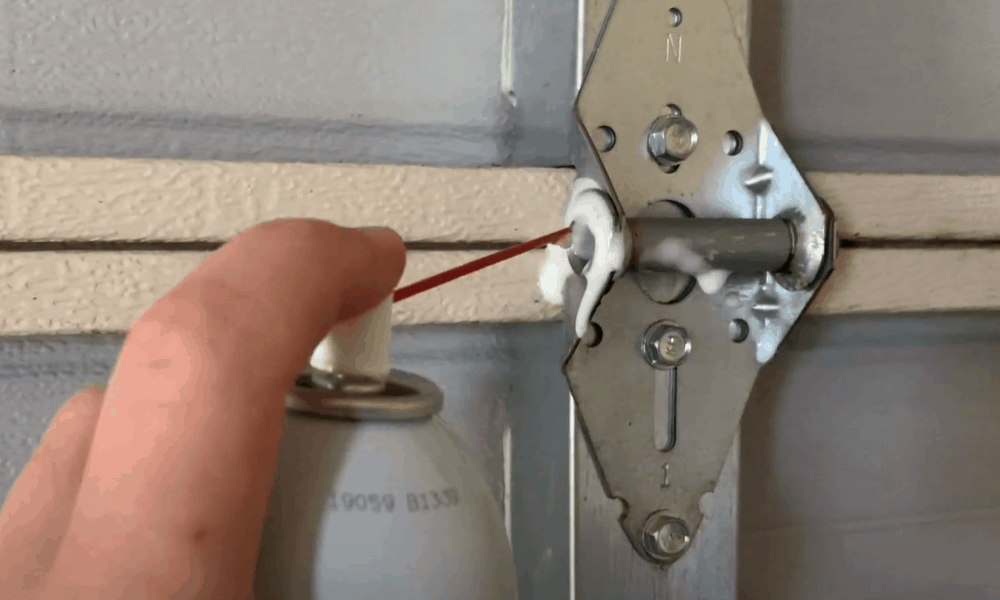 Lubricate the hinges