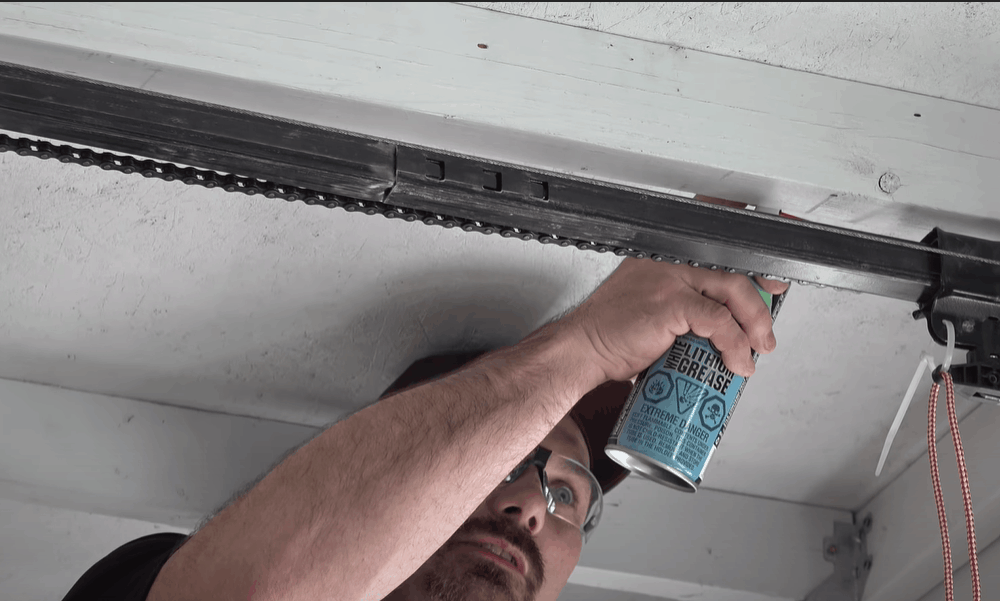 Lubricate the top of the rail