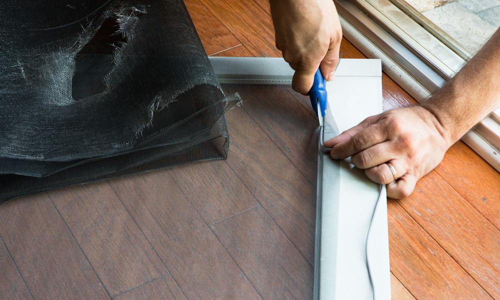 21 Homemade Screen Door Plans You can DIY Easily