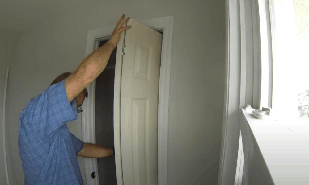 Adjust the door