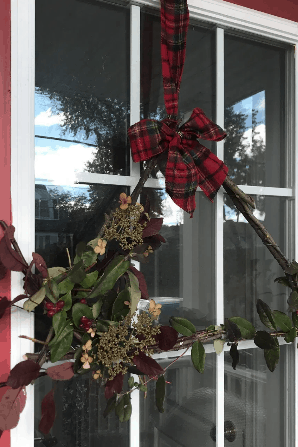 DIY Garden Clipping Holiday Wreath