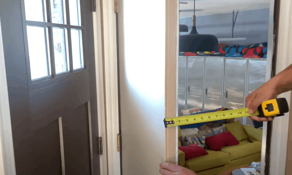 Determine the thickness of the door