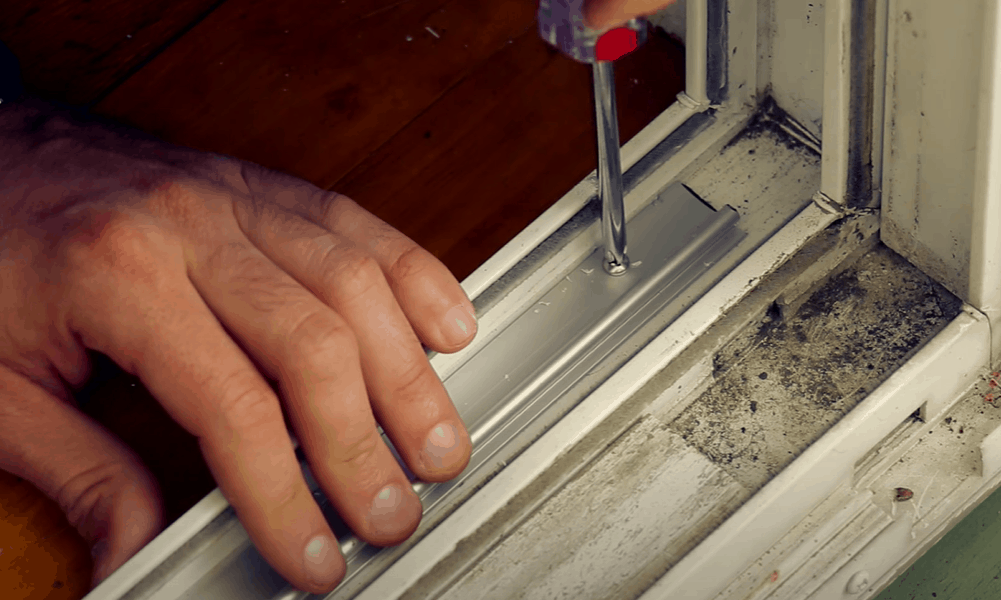 How to install a new door track