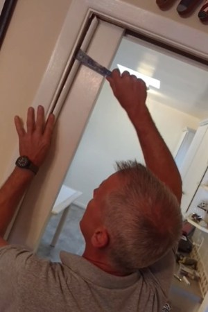 Removing the Door Stop