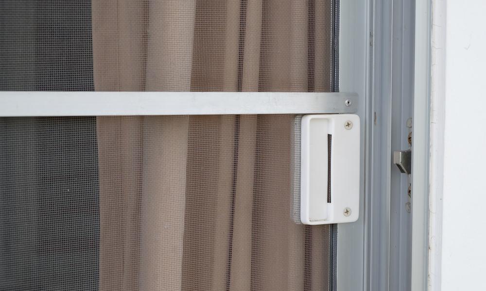 Types of screen doors