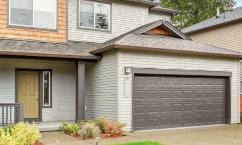 When to DIY and When Not to DIY a Garage Door
