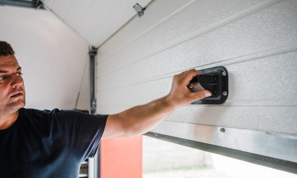3 Easy Ways to Lock Garage Door from Inside
