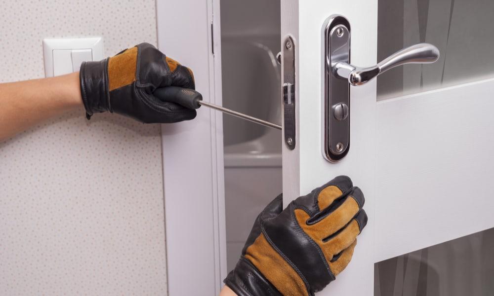 6 Steps to Fix a Door Lock That Is Jammed