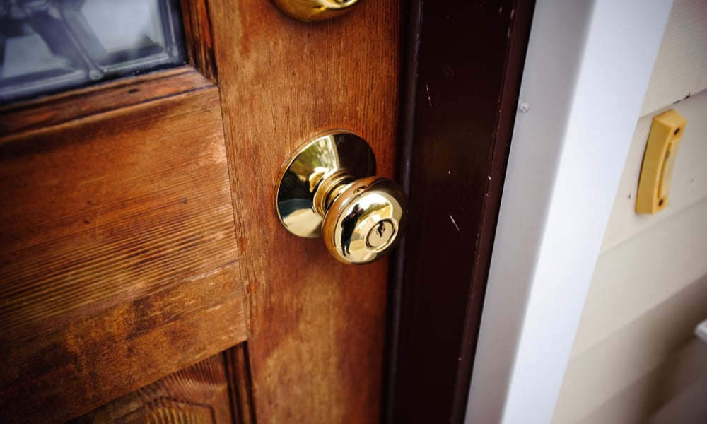 6 Ways to Clean Brass Door knobs