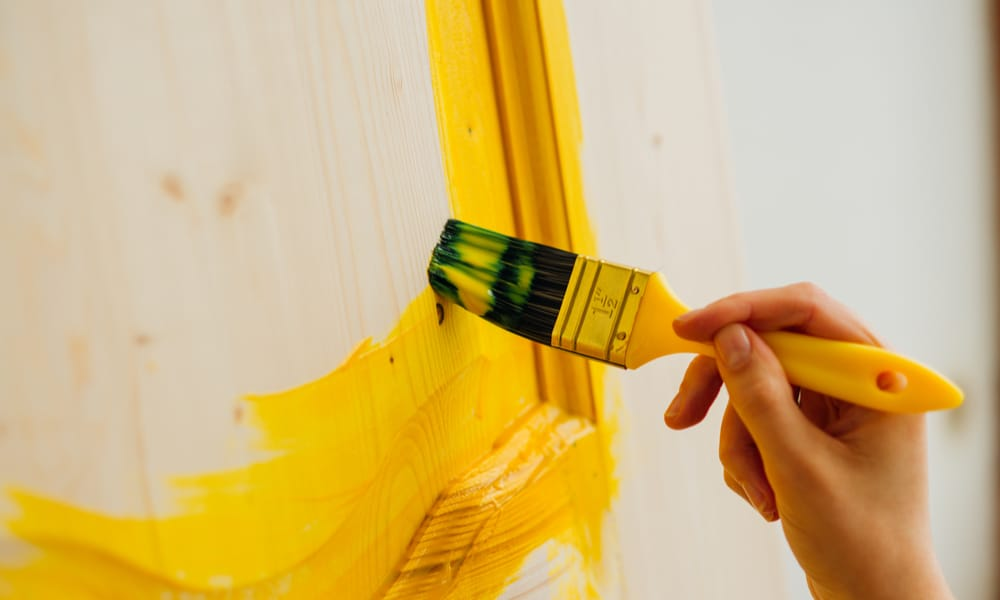 8 Tips To Paint A Door Without Brush Marks