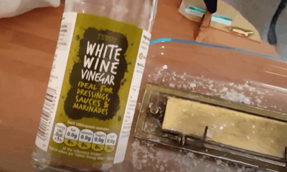 Rub Vinegar and Salt on the Doorknob